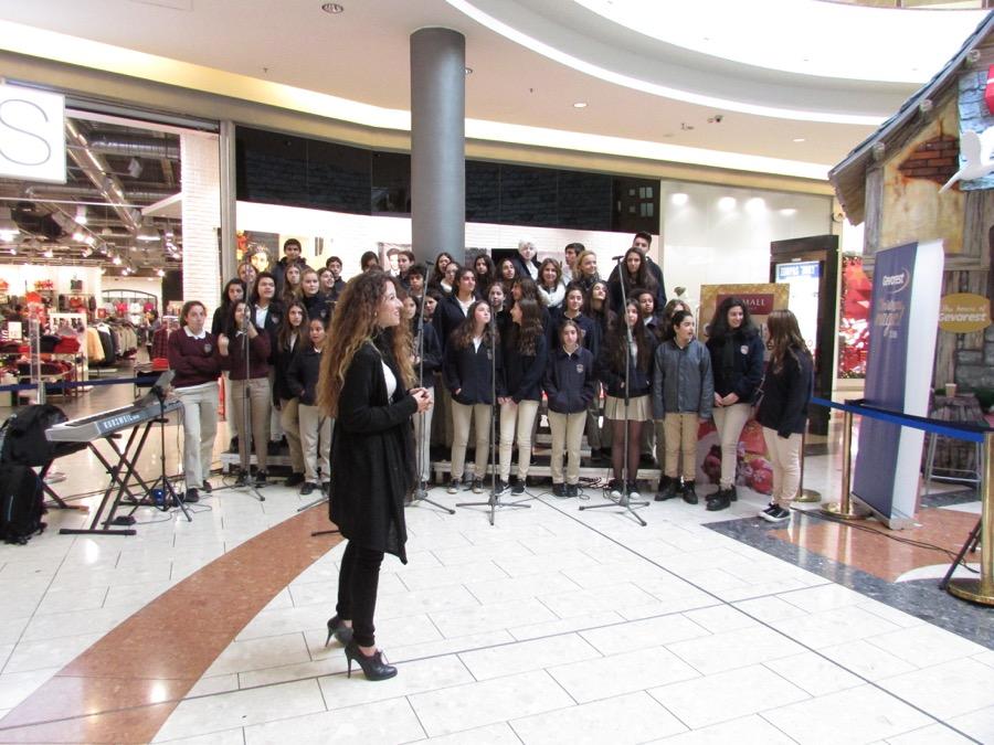 Choir Mall Dec 2016 (11)