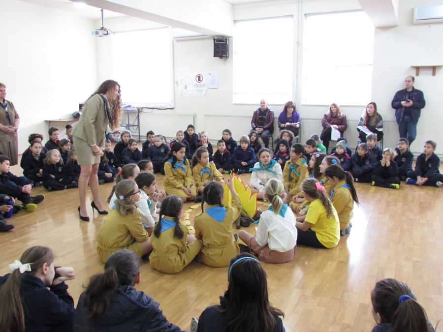Girl Guides Assembly February 2017 (7)