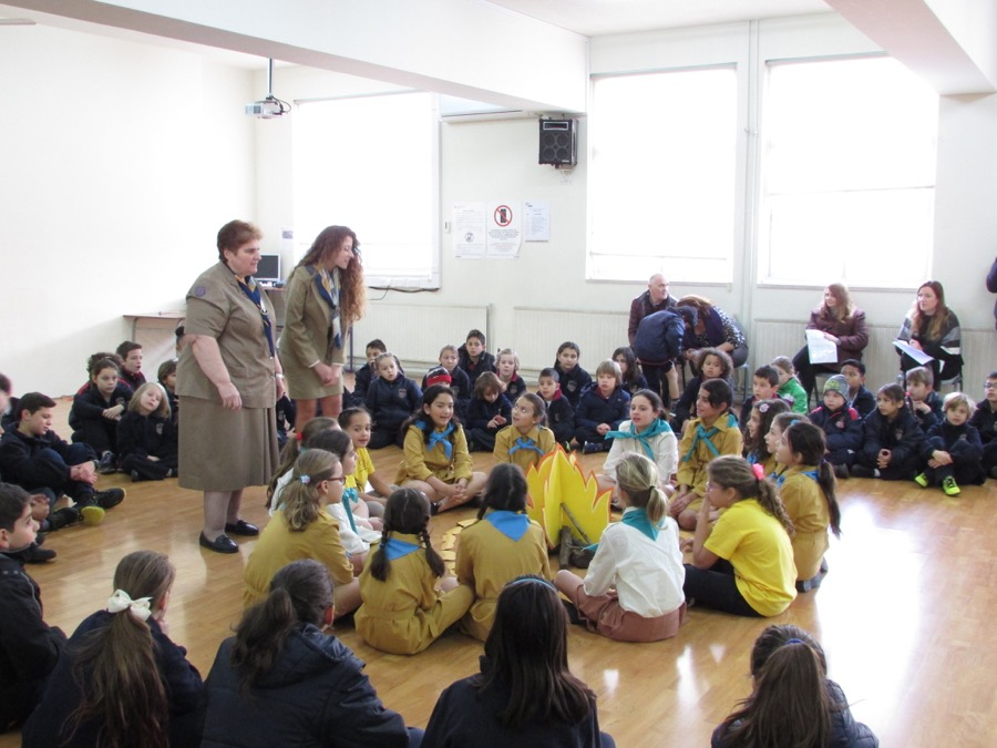Girl Guides Assembly February 2017 (9)