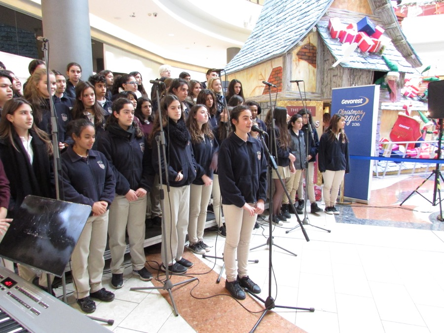 Primary Choir Singing Mall Nicosia Dec 2016 (3)