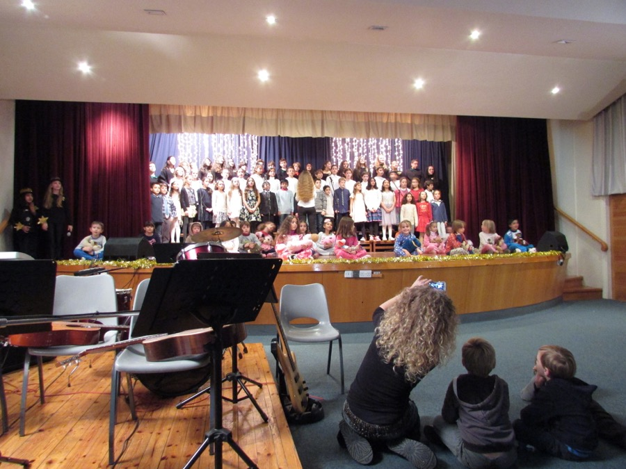 Primary Christmas Programme PTA Event December 2016  (16)