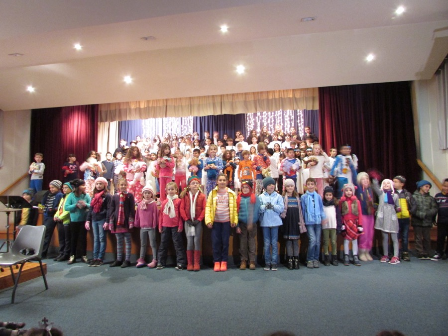 Primary Christmas Programme PTA Event December 2016  (17)