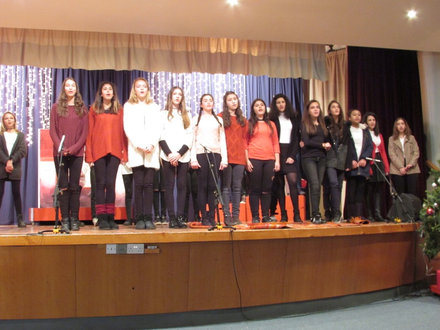 Secondary Christmas Performance December 2016 (16)