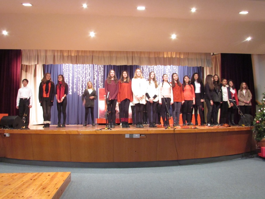 Secondary Christmas Performance December 2016 (18)