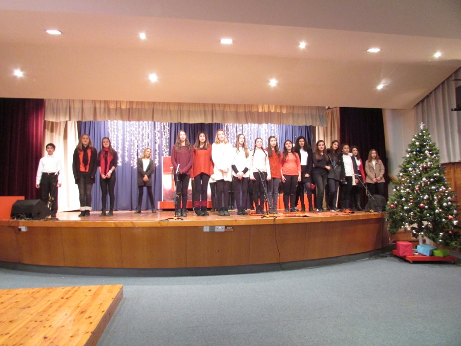 Secondary Christmas Performance December 2016 (23)